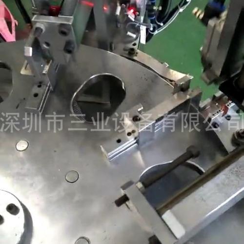 波纹条自动装配机